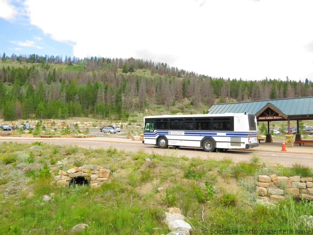 Rocky Mountain National Park parking and bus stop